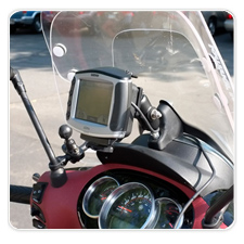 Garmin zumo Mounted to Piaggio BV 350