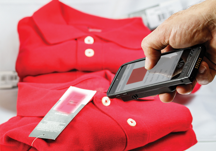 IntelliSkin® with GDS® Technology™ with a phone scanning tag
