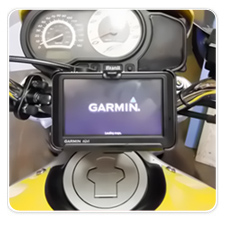 Garmin nüvi 755T mounted on 03 Buell Lightning