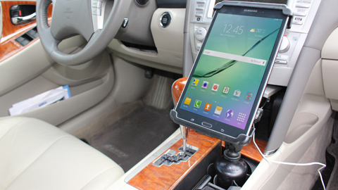 stubby in car with samsung tablet